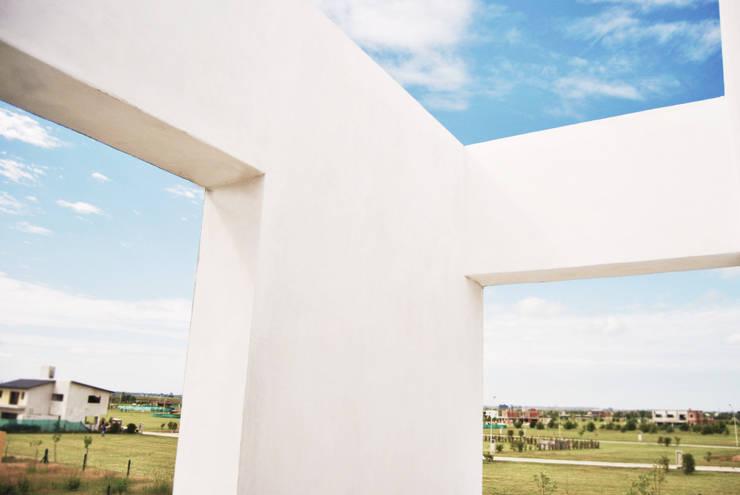 Casa GDR: Terrazas de estilo  por S.TS Arquitectos,