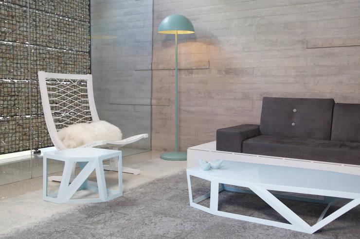 Lampara Umbra, mesas modelo Vértice de Natural Urbano Moderno Metal