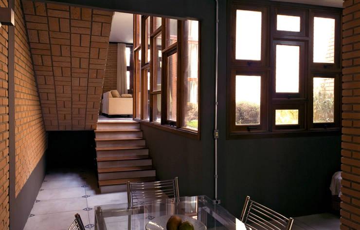 Phòng ăn by JMN arquitetura