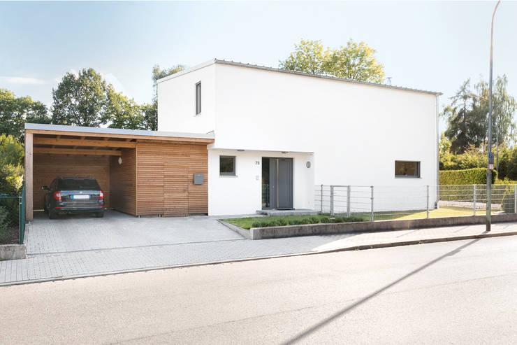 Modernes Einfamilienhaus mit Pultdach on