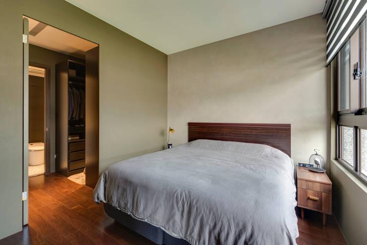 Camera da letto in stile  di 齊禾設計有限公司, Scandinavo Cemento