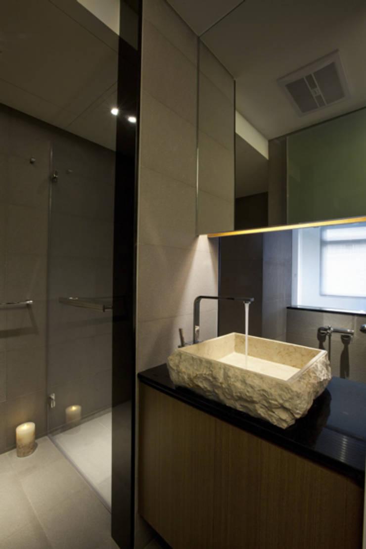 南昌住宅:  浴室 by 齊禾設計有限公司