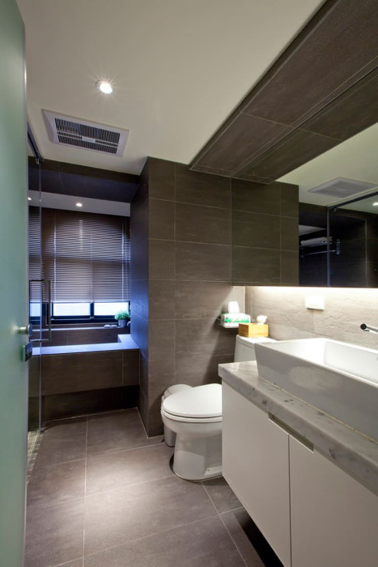 仁愛住宅:  浴室 by 齊禾設計有限公司