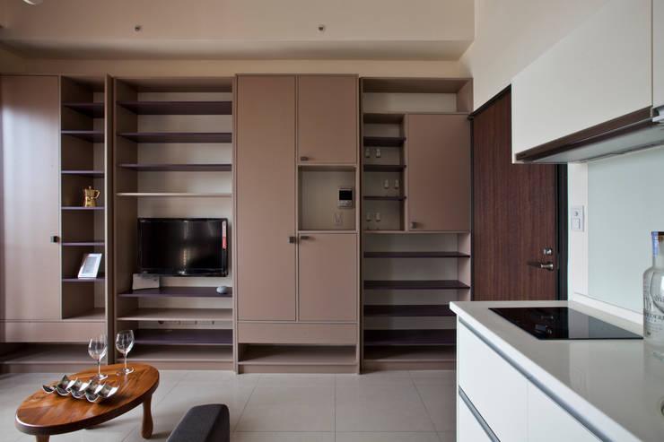Modern living room by 齊禾設計有限公司 Modern