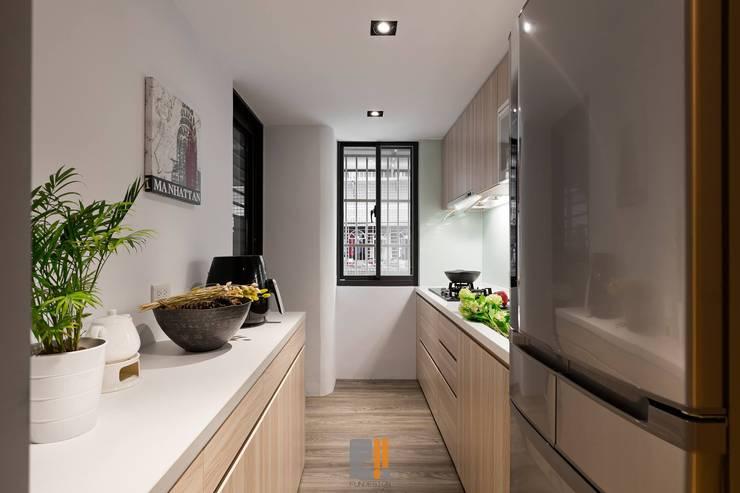 原.敘:  廚房 by 築川室內裝修設計有限公司