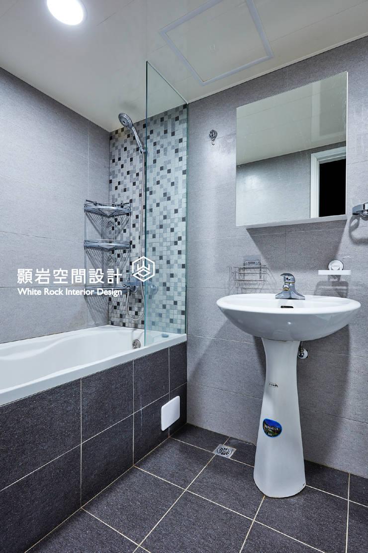 新北市 林口區 陳公館:  浴室 by 顥岩空間設計