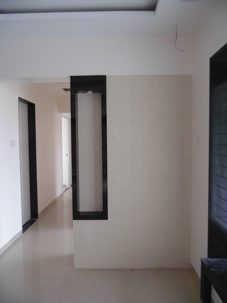 YASHWIN BANER PUNE:  Living room by decormyplace