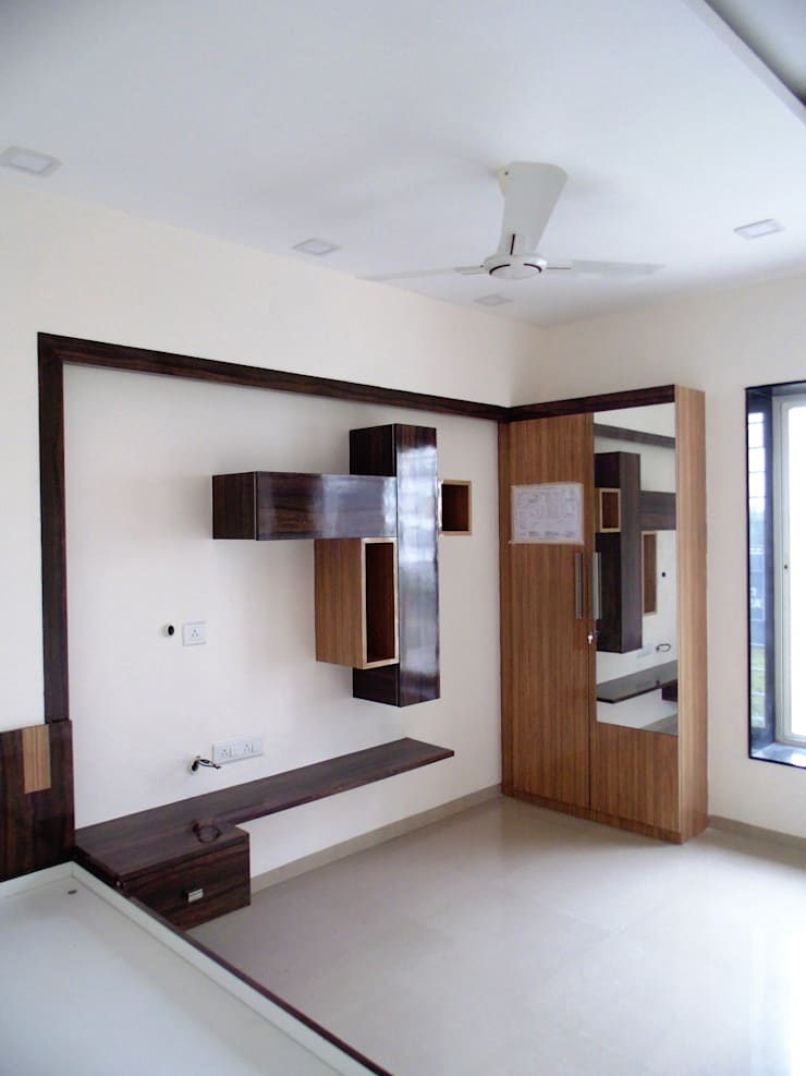 YASHWIN BANER PUNE:  Bedroom by decormyplace