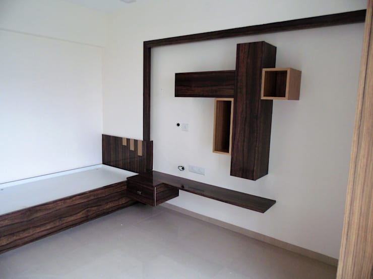 YASHWIN BANER PUNE: modern Bedroom by decormyplace