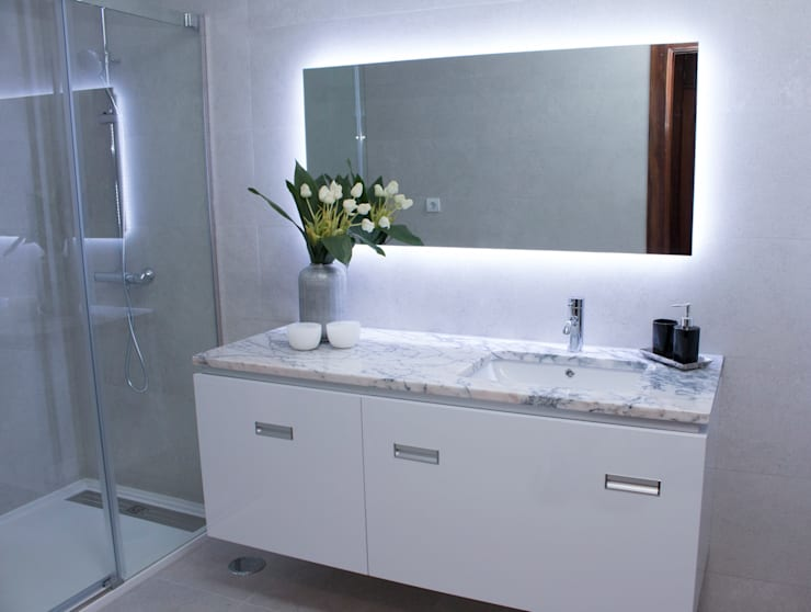 Bathroom by ORCHIDS LOFT