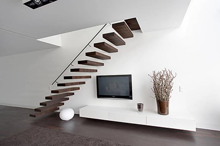 Living room by Tischlerei und PORTAS-Fachbetrieb Detlef Nissen