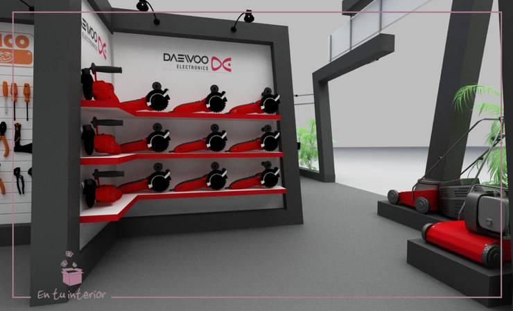 Diseño de stand para EXPO. FERRETERIA: Galerías y espacios comerciales de estilo  por En Tu Interior