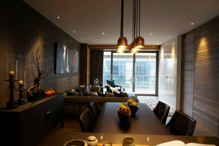 The LALU House:  餐廳 by POSAMO十邑設計