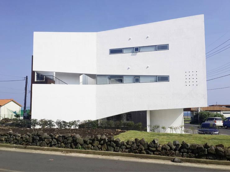 BlancBleu by 건축사사무소 숲 모던 콘크리트