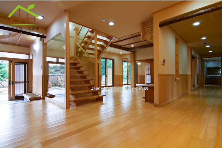 Living room by 詮鴻國際住宅股份有限公司, Asian