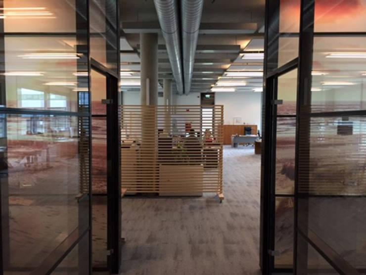 Entree begane grond:  Kantoorgebouwen door YA Architecten