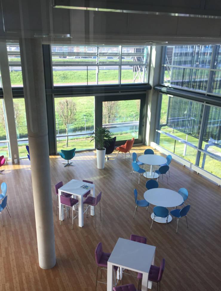 Interieur kantine kantoorgebouw:  Kantoorgebouwen door YA Architecten