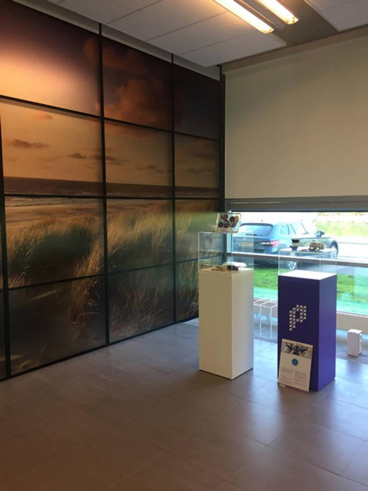 Tentoonstellingsruimte kantoor:  Kantoorgebouwen door YA Architecten