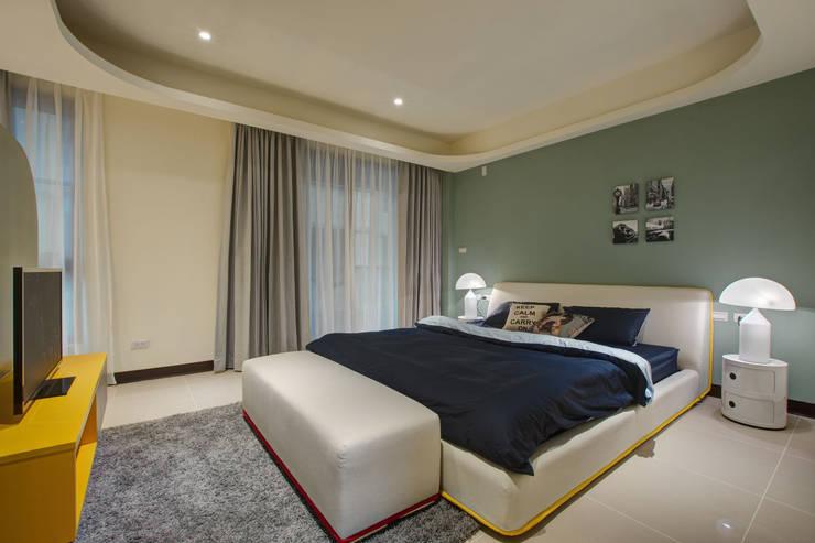 美式普普風:  臥室 by 哲嘉室內規劃設計有限公司