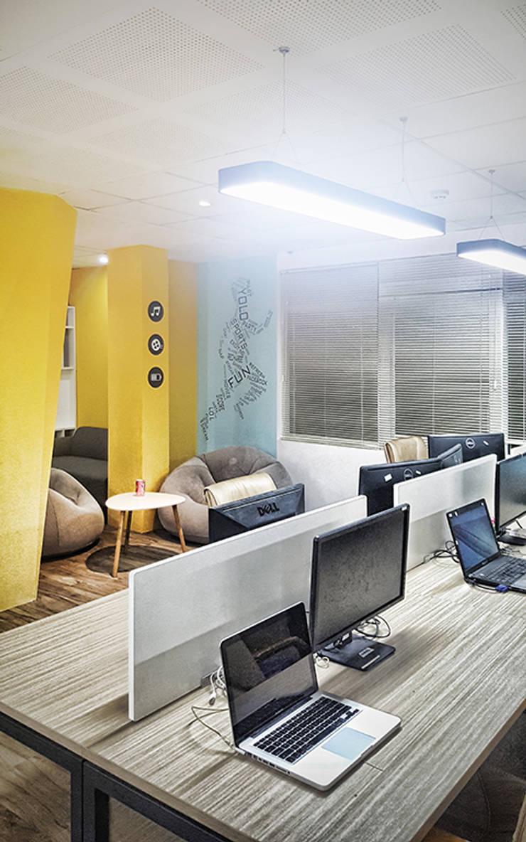 AI&T Office Renovation:  Bathroom by Studio8 Architecture & Urban Design