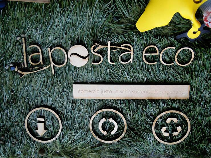 Diseño Interior de local comercial - La Posta Eco: Galerías y espacios comerciales de estilo  por Proyecto Menos es Más
