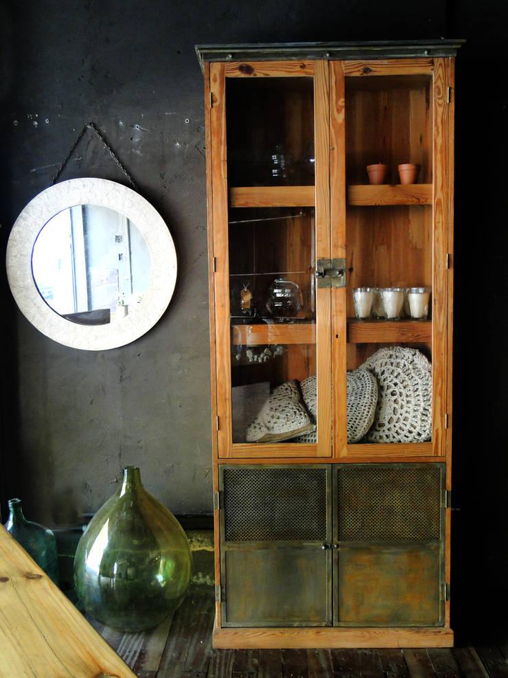 Diseño de Vidrieras SUNO Restore & Design: Galerías y espacios comerciales de estilo  por Proyecto Menos es Más,