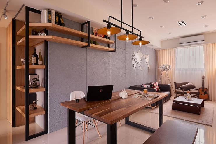 餐廳(多功能機能桌):  餐廳 by 趙玲室內設計