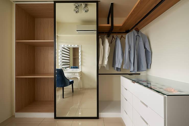 Dressing room by 趙玲室內設計