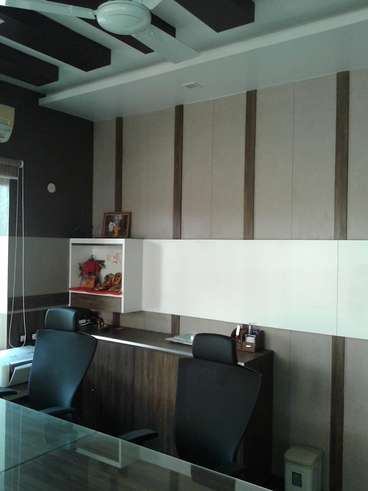 INTERIOR DESIGN OF OFFICE:  Offices & stores by RED PAPER DESIGNERS PVT. LTD.,Modern