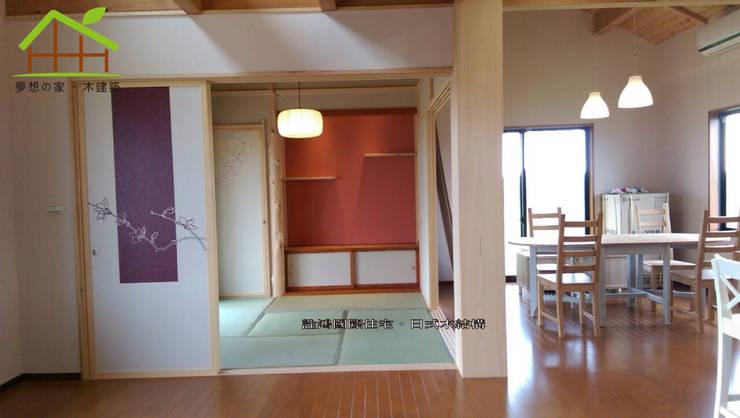 客製化設計-和風農舍-日式綠建築:  臥室 by 詮鴻國際住宅股份有限公司