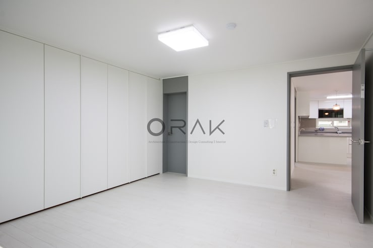 정자동 임광보성아파트 / 33평형 아파트 인테리어: 오락디자인의  침실
