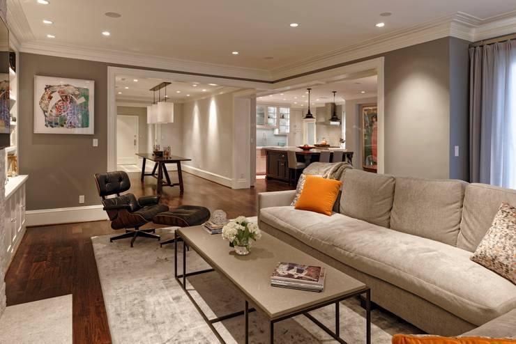 Luxury Kalorama Condo Renovation in Washington DC:  Living room by BOWA - Design Build Experts