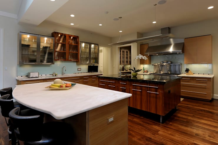 Purchase Consultation and Whole House Renovation in Potomac, Maryland:  Kitchen by BOWA - Design Build Experts