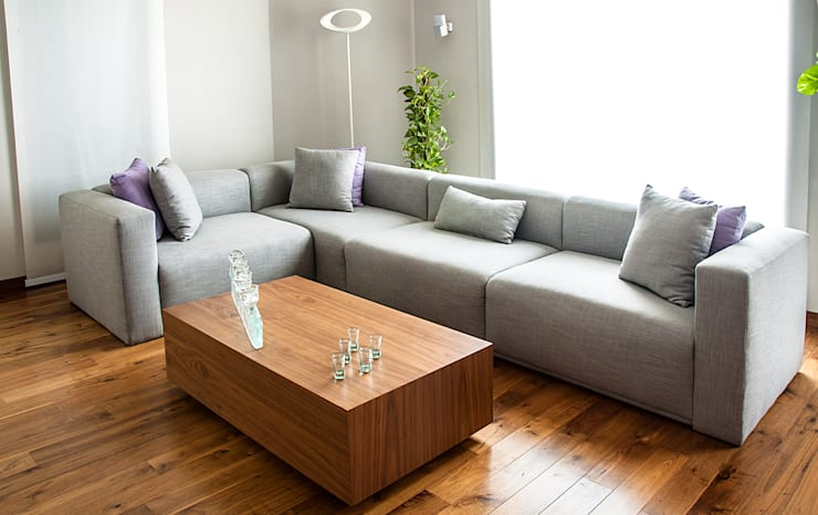 L Shape Sofa:  غرفة المعيشة تنفيذ Mazura