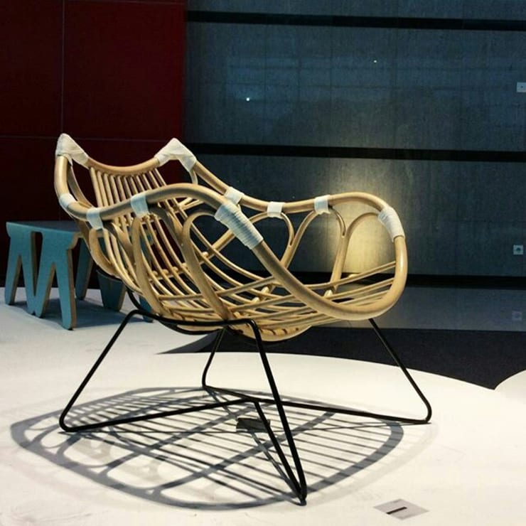 Karapan Rattan Chair:  Living room by Kesan Mendalam Design Studio