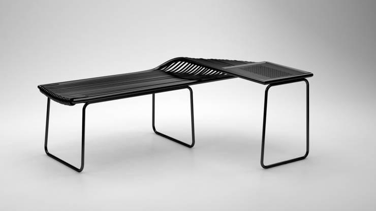 Luwes Rattan Bench:  Living room by Kesan Mendalam Design Studio