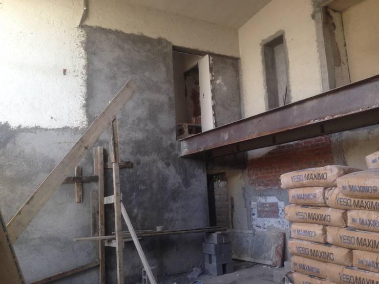 Rumah by AYALA Proyectos y Construccion