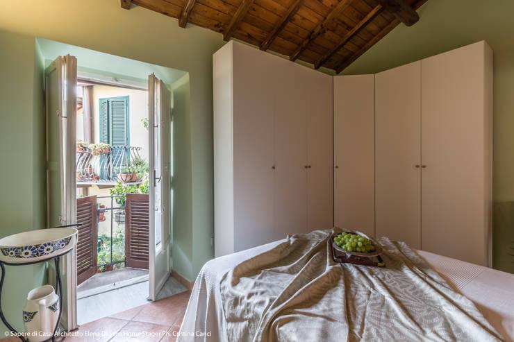Projekty,  Sypialnia zaprojektowane przez Sapere di Casa - Architetto Elena Di Sero Home Stager
