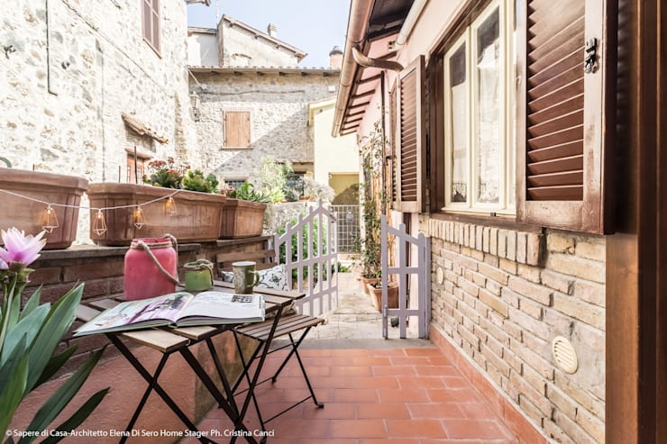 Projekty,  Taras zaprojektowane przez Sapere di Casa - Architetto Elena Di Sero Home Stager