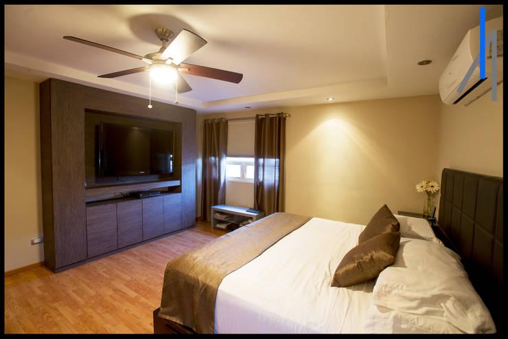 Dormitorios de estilo  por SEZIONE