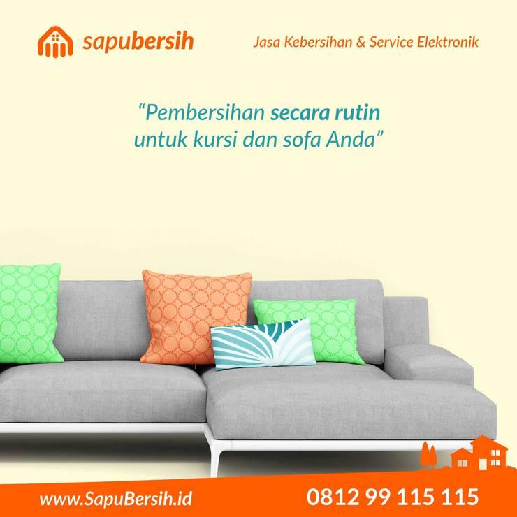 Cuci sofa terbaik di kota Bandung:  Living room by SapuBersih.id