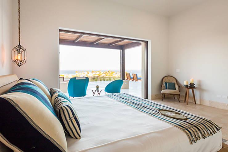 Bedroom by MAR STUDIO