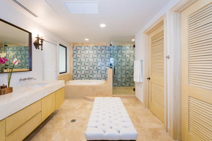 modern Bathroom by MAR STUDIO