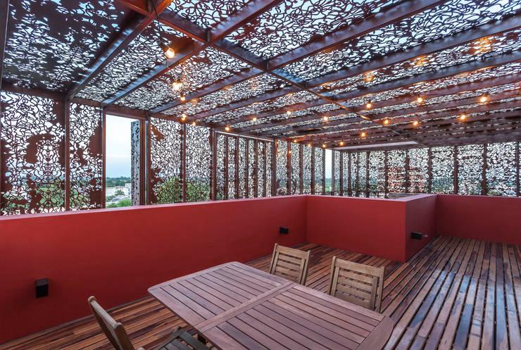 VV Building: Terrazas de estilo  por Ciudad y Arquitectura