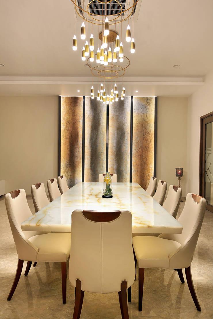 shree bungalow:  Dining room by USINE STUDIO,Modern