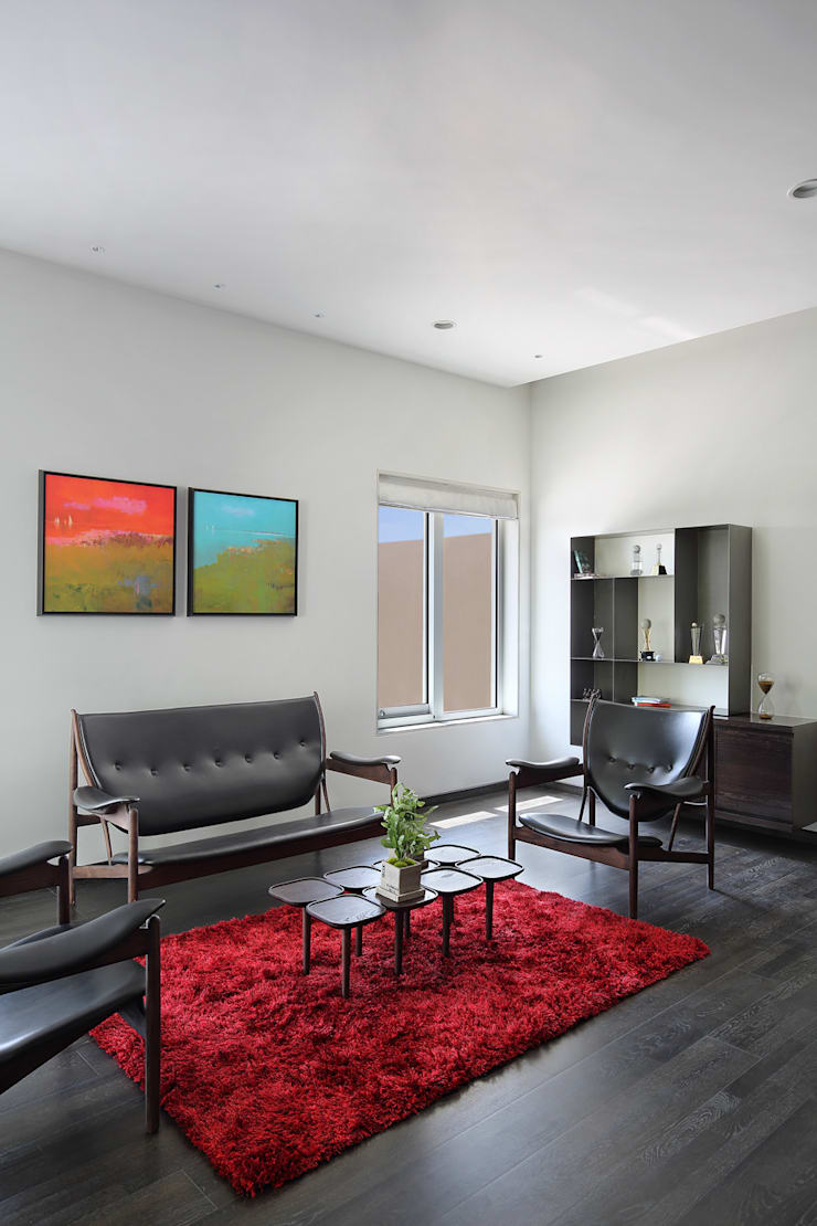 shree bungalow:  Living room by USINE STUDIO,Modern