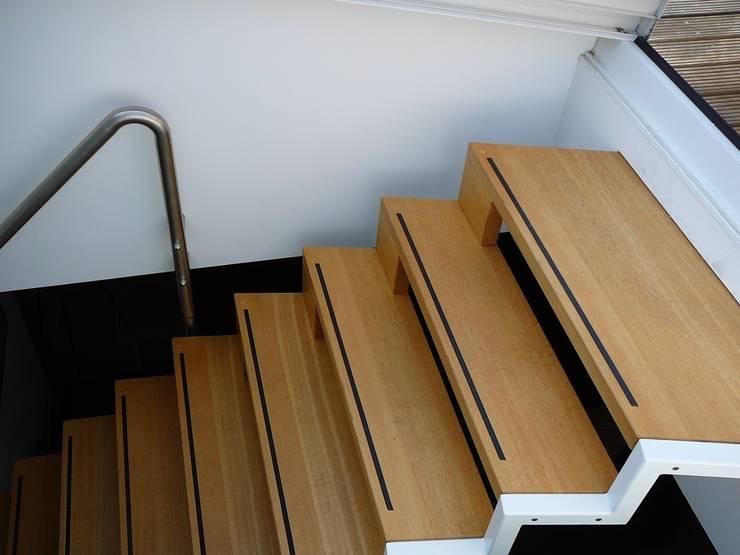 trap:  Gang, hal & trappenhuis door Studio Kuin BNI