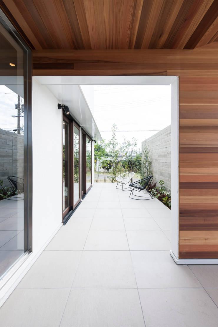 庭院 by FANFARE CO., LTD, 隨意取材風