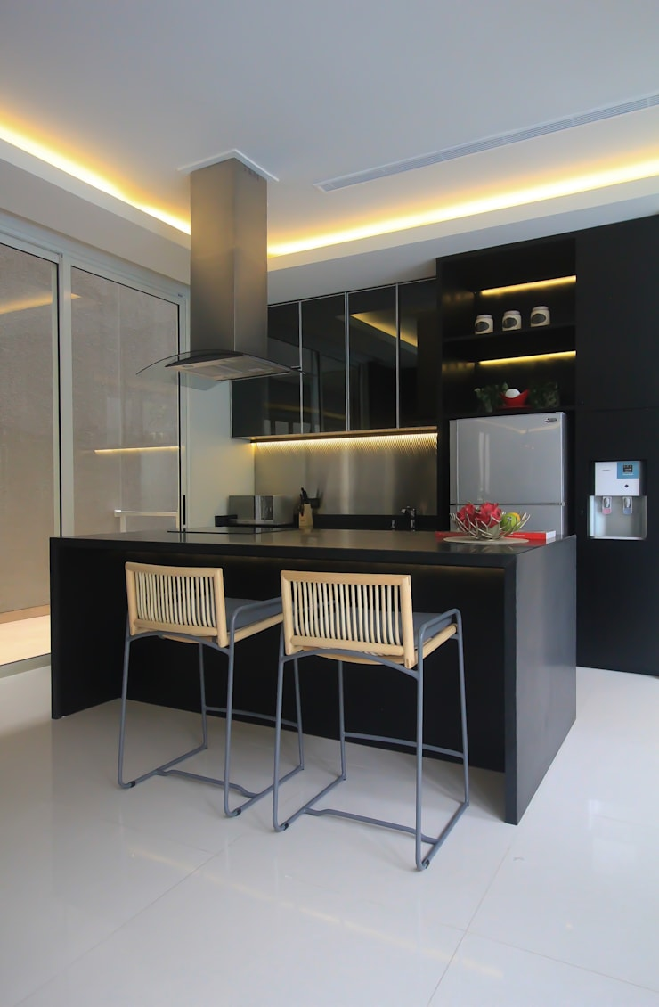 SL RESIDENCE:  Ruang Makan by ALIGN architecture interior & design
