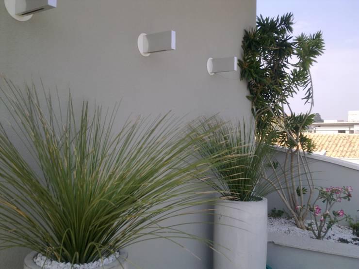 Jardines de estilo  por Caio Pelisson - Arquitetura e Design